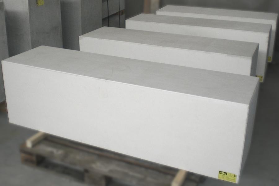 Sitzblöcke in Sondereton glatt weiß