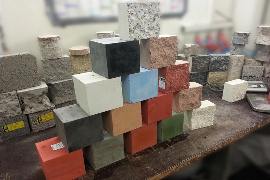 Beispiele für farbigen Beton