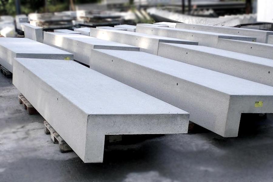 Treppensitzanlage Beton grau gestrahlt