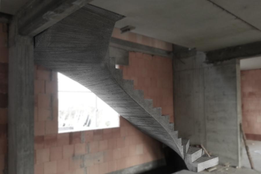 Treppe zweifach gewendelt